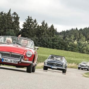 Oldtimer bei einer Rally im Bayerischen Wald